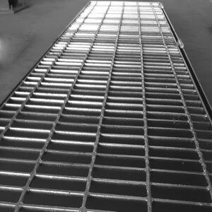 Rejilla de Acero .50 X 2MT (Con contramarco)
